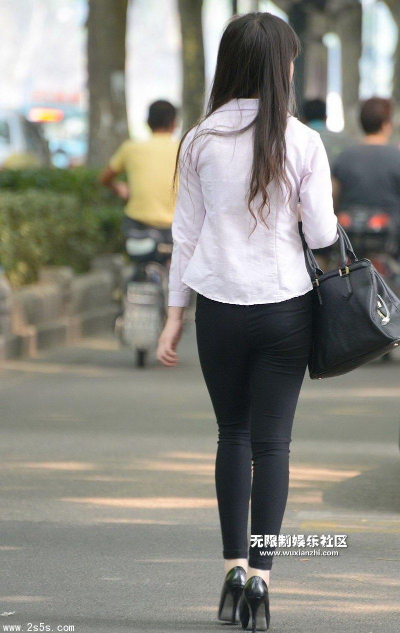 伊贞羽_5.15 街拍最流行的黑色紧身裤美女 - 美女MM - 街拍第一站