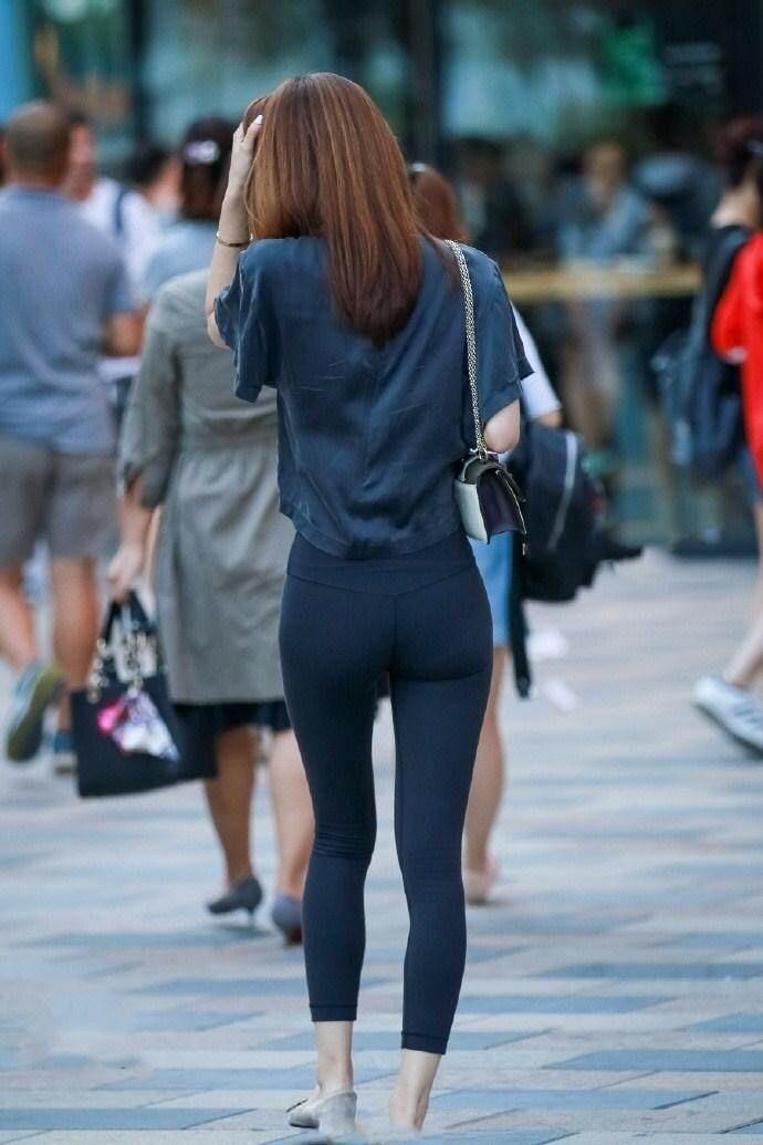 19.3.5街拍紧身裤美女,紧身裤显